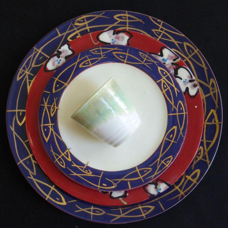 Basalt servies porselein onderbord en ontbijtbord Gouden vissen
