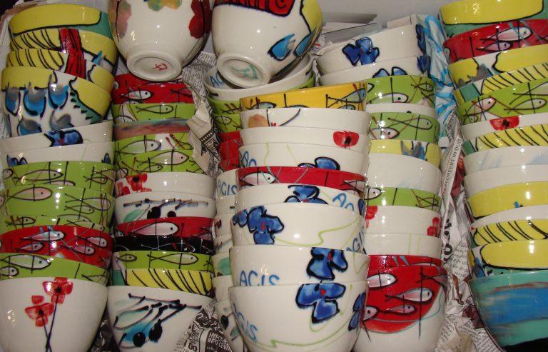Basalt serviesgoed porselein relatiegeschenk mok en kom