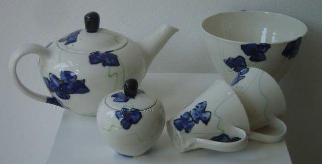 Basalt servies porselein theeservies en kom Blauwe bloem